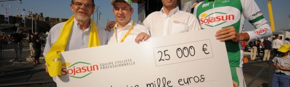 Sojasun remet un chèque de 25 000 euros